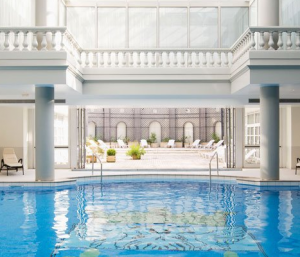 Trianon Palace pool