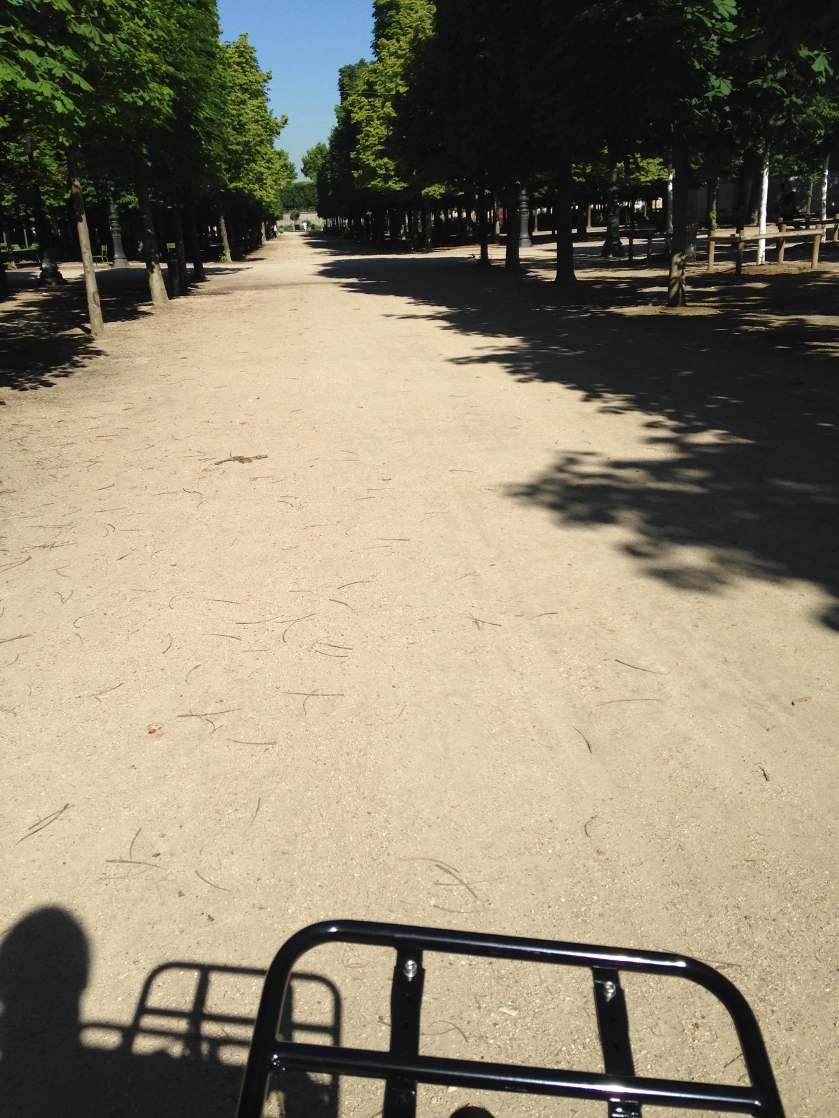 Feeling like a Parisienne in the Tuileries...